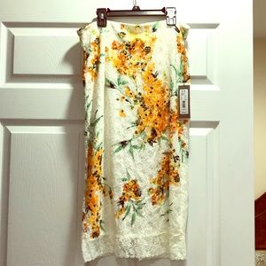 Eva Mendes 💜Floral high waisted skirt